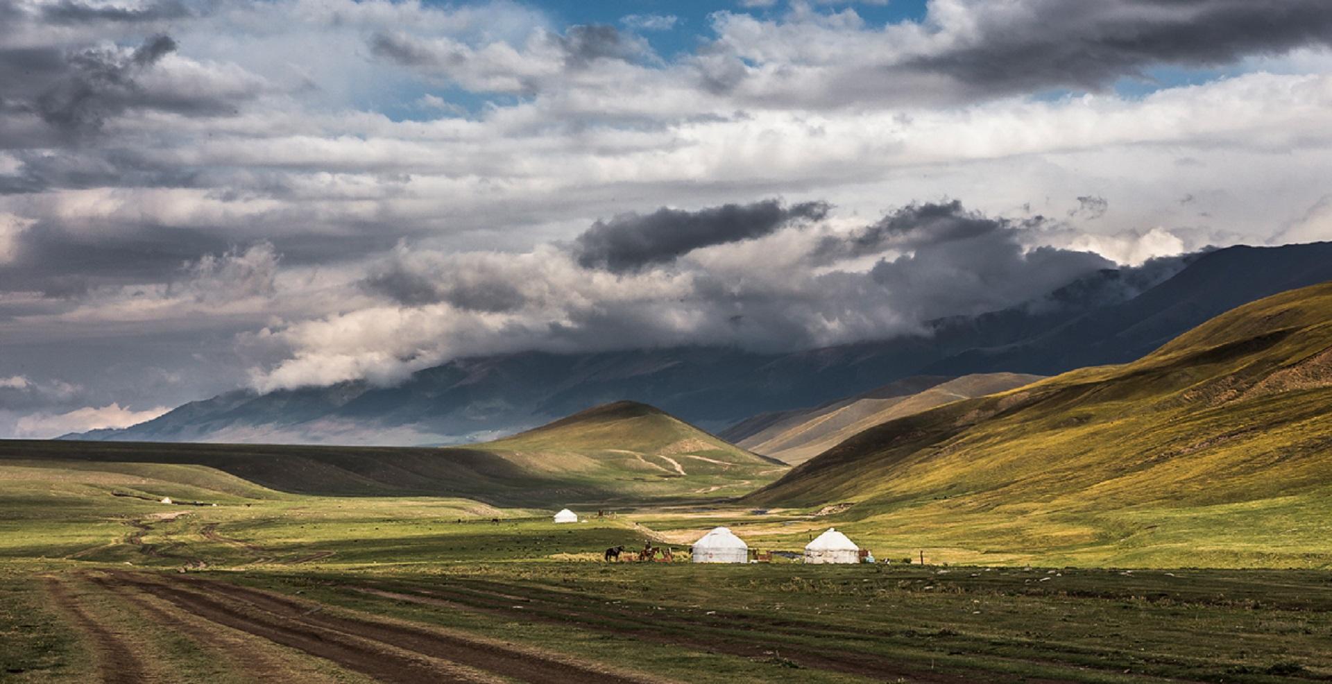 Иссыкские курганы, Тургеньское ущелье и плато Ассы